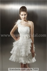 Jasmine Bridal - T496 SampleSize 10 Ivory in Great Condition. Regular Price $696 on Sale for $200